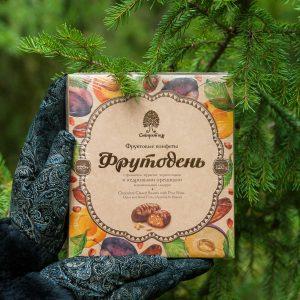 Фруктовые конфеты Фрутодень с фиником курагой черносливом и кедровыми орешками 120 гр
