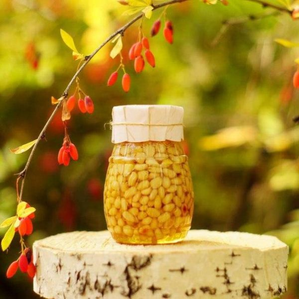 Таёжный мёд с кедровыми орешками